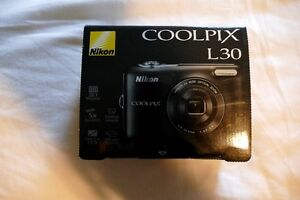 Nikon Coolpix L30 New in Box Never Used