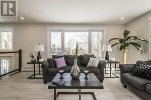 STUNNING HOME IN CLAYTON PARK!! FULLY RENOVATED!!
