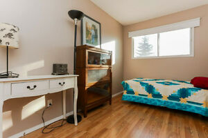 Affordable Upgraded Bungalow in Great Location Edmonton Edmonton Area image 9