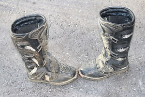 size 6 dirtbike boots London Ontario image 4