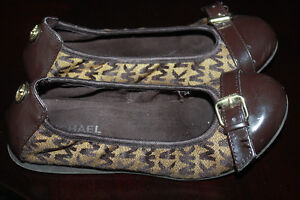 Girls shoes by Michael Kors size 1 /32