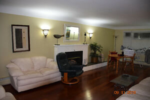 5BR Executive Home near Queen's and KGH in an exclusive area Kingston Kingston Area image 3