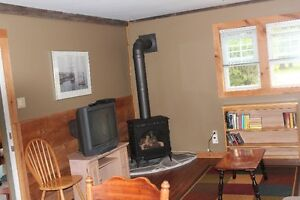 Southampton large cozy 1&2 Bedroom winterized cottage.