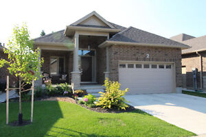 Beautiful 1 floor Bungalow for sale Strathroy