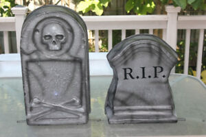 Moaning Headstones Halloween Decorations - sound and light