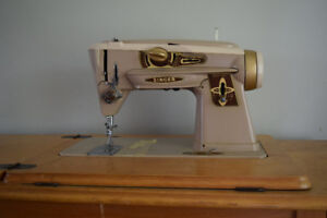 Vintage Singer Sewing Machine - 401 (with table)