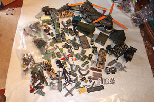 LOT MILITARY VEHICLES - SMALL SOLDIERS - LOTS OF ACCESSORIES Kitchener / Waterloo Kitchener Area image 1