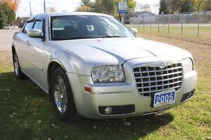 2005 Chrysler 300 TOURING Sedan, Sunroof, Heated Leather