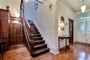 RENOVATED & FURNISHED, 6 BDRMS, 2.5 BTHS,  650m  FROM McGILL