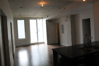 Luxury Suite: 1 bedroom + office in new Old Montreal condo Aug 1