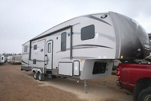 SAVE $4200 ON BRAND NEW 2016 SABRE SILHOUETTE 330DDOK 5TH WHEEL