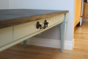 Shabby-Chic Coffee Table