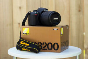 NEVER USED Nikon D3200 + 18-140mm lens ($500 obo)