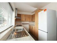 2 bedroom flat in Brettenham Road, London, N18(Ref: 6776)