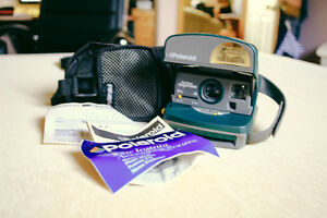 Vintage Polaroid Green Instant One Step Express Camera WITH Film