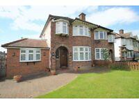 3 bedroom house in Great North Road, Barnet, EN5