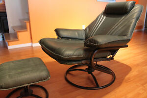 Fauteuil inclinable en simili cuir West Island Greater Montréal image 1