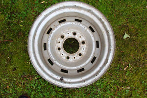 wanted  1 chevy  4x4 rally rim  6 bolt