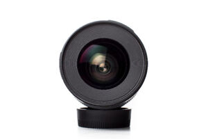 Canon EF 20mm F2.8 *mint in box*