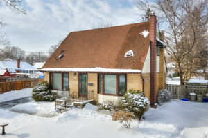 Beautiful & Upgraded 3BR2WR House in Kitchener for Sale!