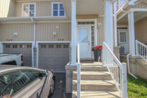 GORGEOUS NEW 3 BRM TOWNHOUSE WITH GARAGE AND WATER ACCESS!