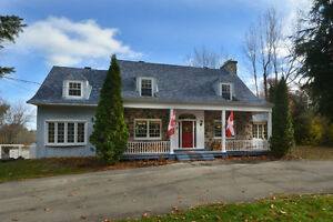 Beautiful Canadian-style stone house in Hudson! West Island Greater Montréal image 2