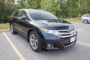 2014 Toyota Venza XLE - Leather, Nav, Auto Tailgate, Backup Cam