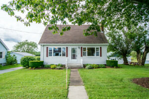 Charming, Bright, Move-in Ready Home in Shubenacadie!