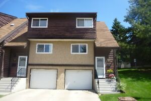 3 bedroom townhouse, fireplace and garage in St. Albert, Sept. 1