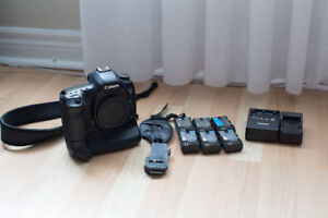 Canon 5D mark III 5D3 DSLR body w/ grip and accessories