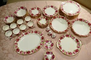 Royal Albert, Old English Rose–70 pieces.The BEST deal on Kijiji