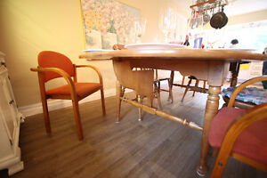 Wood Dinning Table 4 to 10 people + 4 chair West Island Greater Montréal image 4
