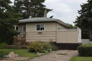 Great Bungalow East Side - Whole House/ Fenced Yard