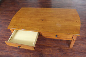 Broyhill Wood Coffee Table / Kneeling Desk With Large Drawers Peterborough Peterborough Area image 6