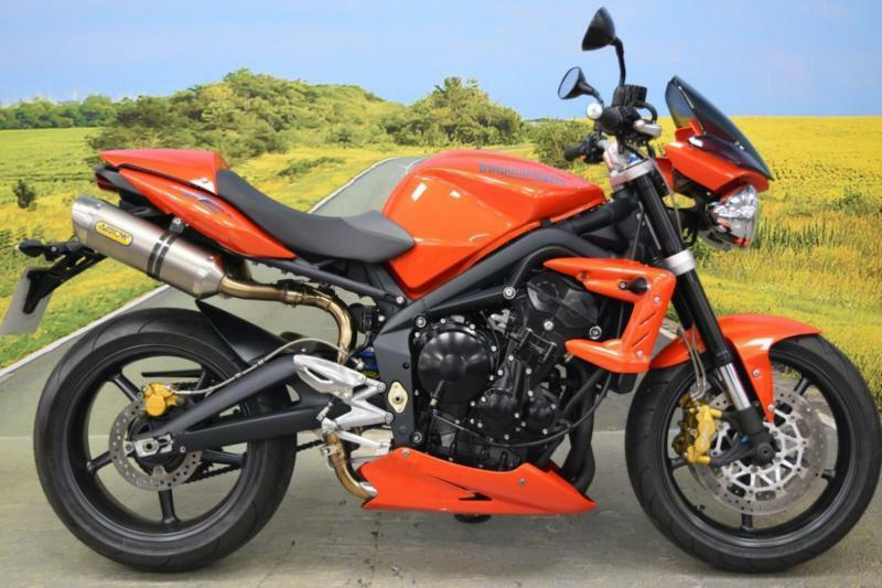 triumph speed triple r 2010 shift light twin arrow exhausts fly screen in cannock. Black Bedroom Furniture Sets. Home Design Ideas