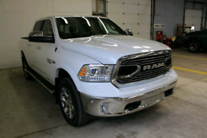 2017 Ram 1500 Limited Crew Cab 4x4, AIR, Private Sale! Only 15km