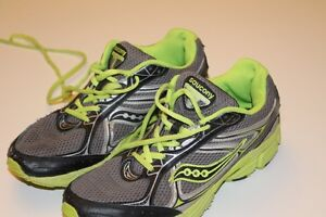 Boys youth size 7 Saucony running shoes
