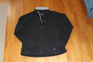 Patagonia Men black jacket size XL