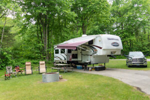 2009 Keystone Montana (Mountaineer Edition) 305RLT 5th Wheel