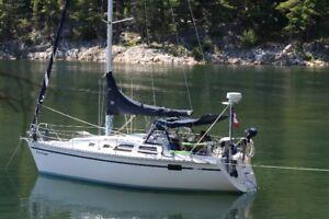 Hunter Sailboat 28.5