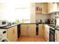 1 bedroom flat in Cross Road, Waltham Cross, EN8
