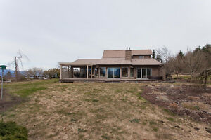 ACREAGE WITH VIEWS!