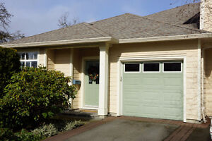 Bright, sunny end unit, one level Townhouse