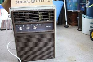 G.E. UPRIGHT AIR CONDITIONER UNIT (LARGER SIZE)