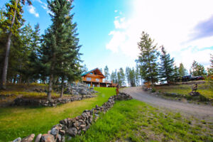 Custom Southbank Log Home on 15 acres