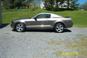 RARE MINERAL GREY2005 MUSTANG  ONLY 39687 ORIGINAL KILOMETERS
