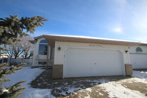 OPEN HOUSE!!! FANTASTIC NEW LISTING IN TWIN BROOKS