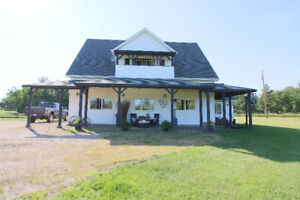 Beautiful Acreage just 10 minutes from Sherwood Park!
