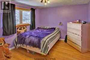 Room for rent in beautiful north east house London Ontario image 6