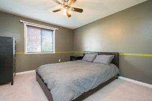Great Family Home in Desirable Highland Heights, London London Ontario image 8